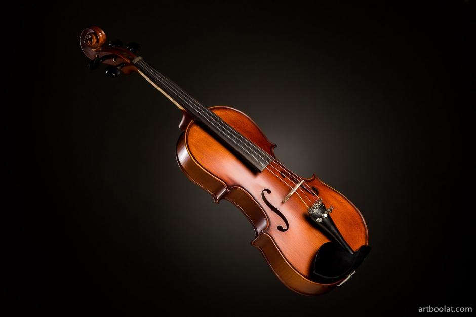 рекламная предметная фотосъемка в минске, профессиональная студийная фотосъемка товаров для интернет магазина в минске, фотосъемка качественная фотосъемка для каталога продукции, музыкальные инструменты скрипка