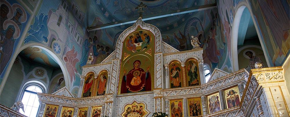 Фотосъемка обряда крещения в Минске профессиональный семейный фотограф Булат