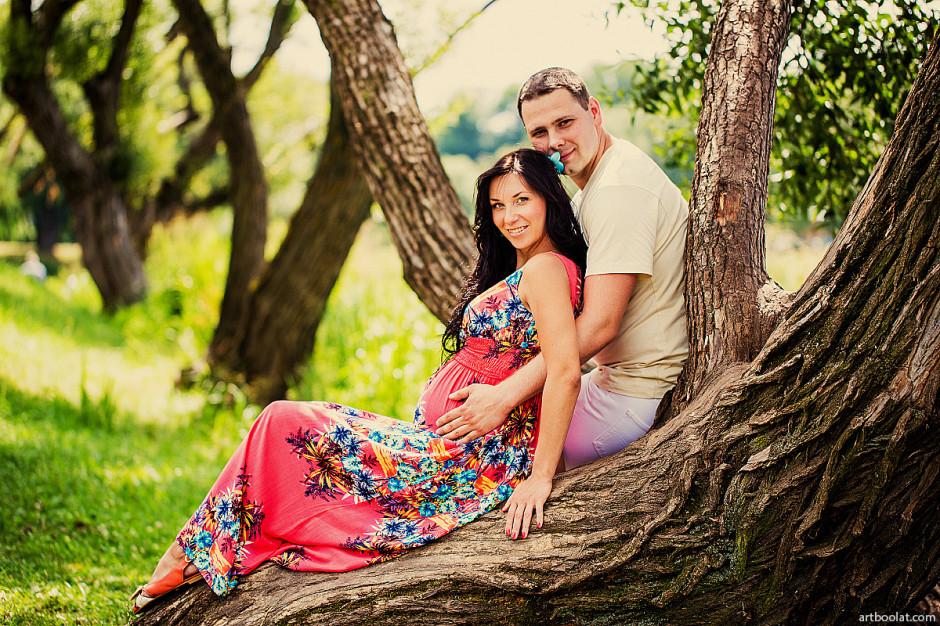 фотосессия беременных, фотосессия для будущей мамы, профессиональный семейный фотограф, заказать фотографа для фотосъемки беременности в минске, красивые фотографии беременных на природе в студии